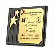 1366439615_Wooden_Plaque_with_3_Gold_Star.jpg